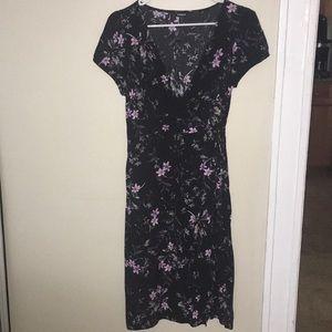 Petite floral v-neck midi dress